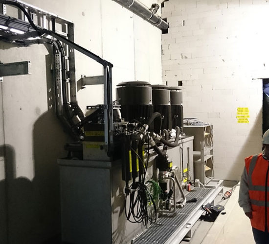 Hydraulic power unit installed on the Botlek bridge