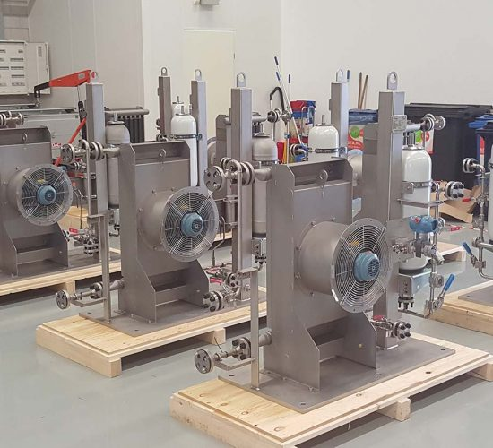 Oil & Gas skids with cooling and accumulators