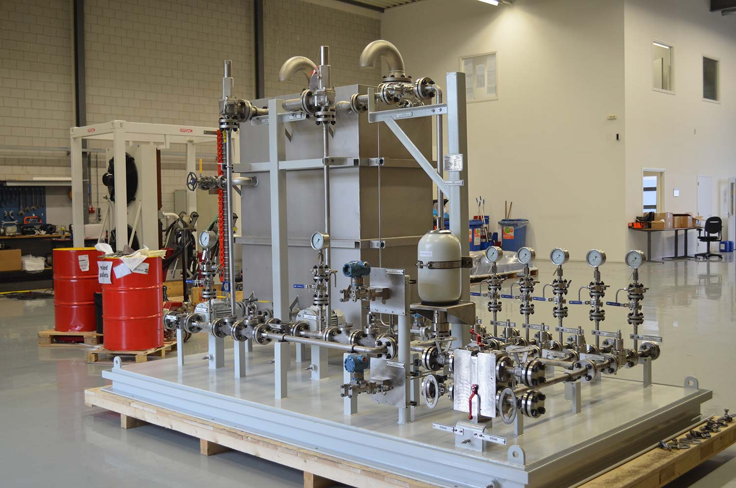 Complex pump and seal lubrication systems for the oil & gas industry
