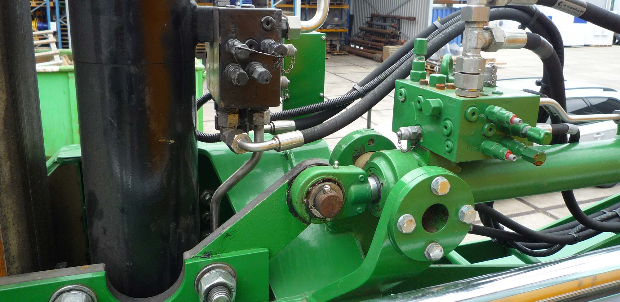 Hydraulic cylinder and manifolds