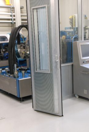 Hydraulic system for a remanufacturing test bench including control system
